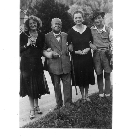 Family_photo_1930_large
